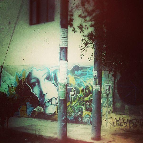 Por las calles del cercado empezando el dia Igersperu Streetphotoperu Editsperu Graffiti arteurbano urbanart lima