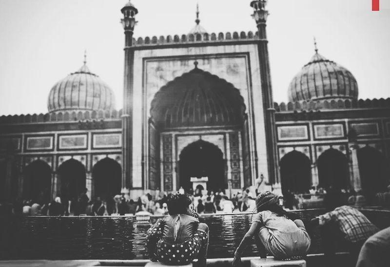 Pray together . Masjid Friends Blackandwhite Architecture