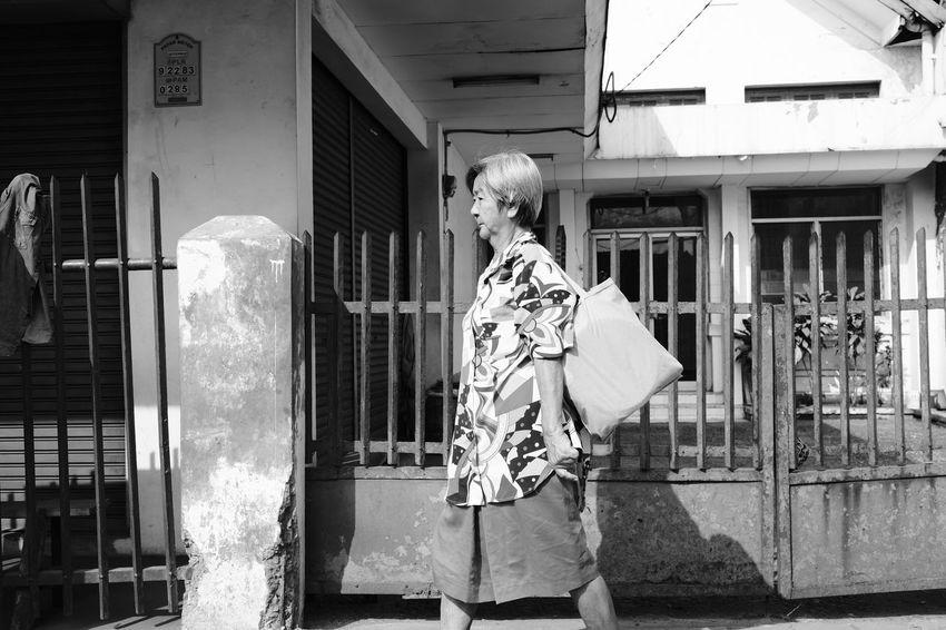 Fujifilm_xseries Fujifilm FUJIFILM X-T2 FujiAcros Streetphotography Street Photography Street Streetphoto_bw Fujinon23mm Fujinon 23mm F1.4 Noiretblanc City Building Exterior Architecture My Best Travel Photo EyeEmNewHere