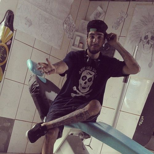 Tattoo , skate e som do bom !!! Diaprospero