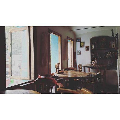 Böyle de güzel bir mekan... Datlimaya Restaurant Takeout Catering fresh delicious istanbul cihangir