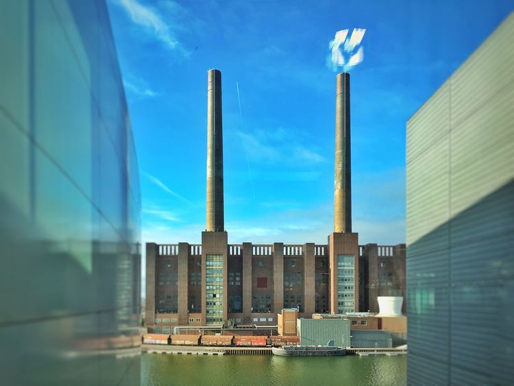 IPhoneography Randomshot Wolfsburg Autostadt Building Industrial Landscapes Window Reflections Taking Photos Hello World HDR