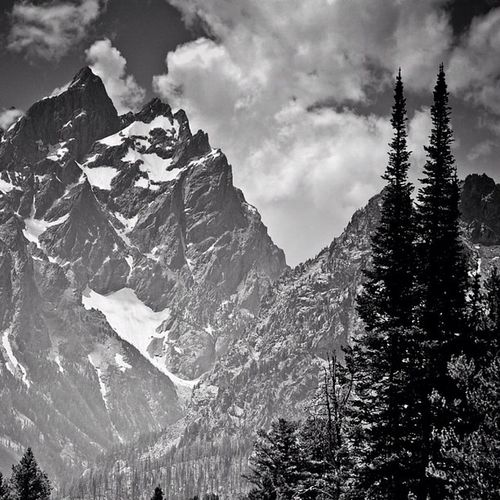 I need to go shoot some new HDR's..but until then, here's an old one. Tetons. #jj #gcs #bw#the_guild #tetons#mountains#snow#igers#igerswyoming Snow Bw GCS Igers Jj  Tetons The_guild Untamedamericas Igerswyoming Mountains