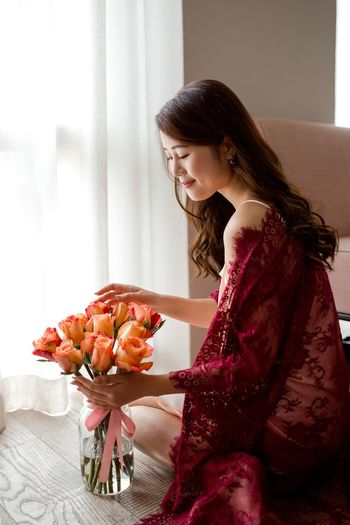 Flowers Roses Beauty Romance Red Lace Lace Beauty One Person Women Indoors  Three Quarter Length Adult Sitting Young Adult Young Women Lifestyles Home Interior Beautiful Woman Smiling
