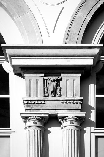 Kapitell. Architecture Built Structure Low Angle View Building Exterior Sculpture No People Stone Material Statue Art And Craft Detail Facades Facade Detail Façade Textures And Surfaces Close-up Architecture Architecture_collection Black & White Blackandwhite Black And White Collection  Schönbrunn Black And White ArtWork Gloriette Black And White Collection