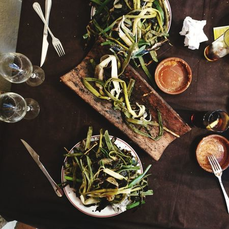 High Angle View Table Wood - Material No People Directly Above Indoors  Healthy Eating Rustic Food Freshness Close-up Day Catalunya BBQ Romesco Calçotada Calcots Calçots Catalunya Mercats Calçotada's Time Artichoke Alioli Bread Family Dinner Lunch Time! Lunch