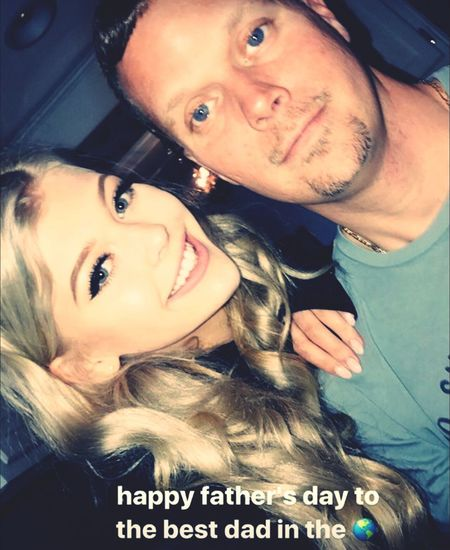 Happy Father's Day Fathersday Beautiful Love Smiling Selfie Looking At Camera People Blond Hair Day Lorengray