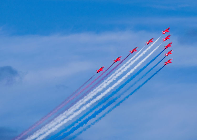Red arrows at