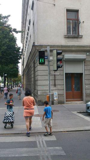 Ampelpärchen Ampel Fußgängerübergang Streetphotography Juli 2015