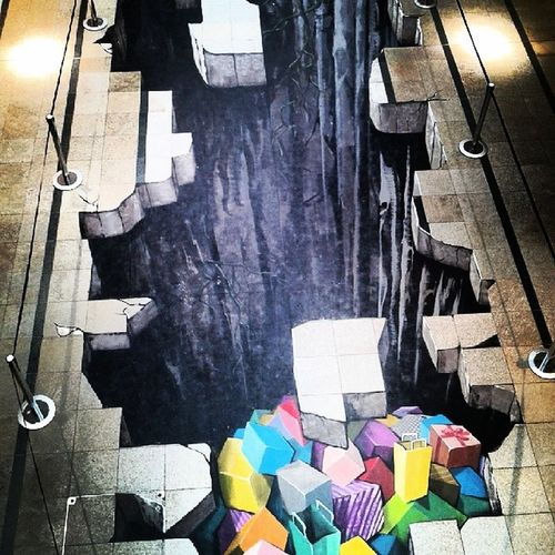 Majdnem beleestem :D Mall Gap Chasm Depth painting drawing wonderful colorful