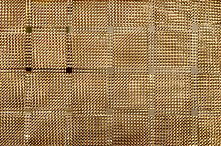 [ maschengold ] - Minimalism Minimal Minimalistic Minimalmood Architecture Backgrounds Brown Built Structure Close-up Closed Day Design Detail Full Frame Metal No People Pattern Maschendraht Textured  Wall Wall - Building Feature