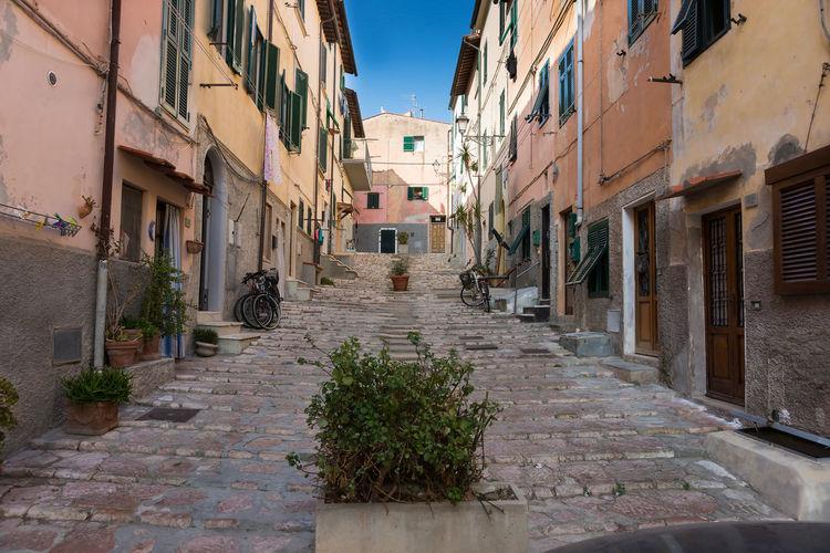 Back street, Portoferraio 2016 Architecture City Day House Italy Peter_lendvai Photography Phototrip Portoferraio Residential Building Street Toscana Travel