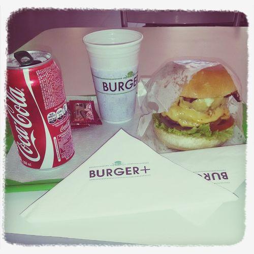 Bom demais... De comer rezando. Burgers Bacon Explosion Eating