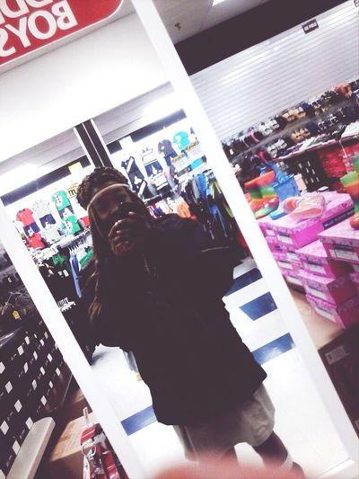 Juss Left Thaa Mall....!