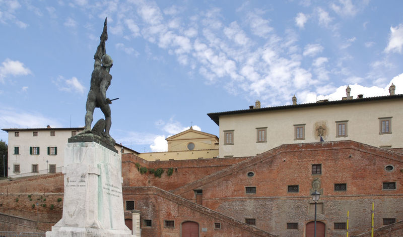 Old Italy Architecture Art And Craft Building Exterior Built Structure City Cloud - Sky Day Human Representation Low Angle View No People Outdoors Sculpture Sky Statue Toscana ıtaly Travel Destinations Villa Medicea
