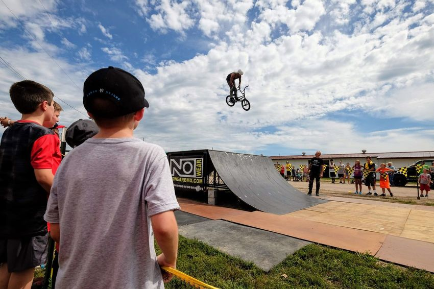 Nowear BMX Team Nebraska State Fair September 1, 2018 Grand Island, Nebraska Camera Work Check This Out Composition Event EyeEm Best Shots FUJIFILM X-T1 Fujinon 10-24mm F4 Getty Images Grand Island, Nebraska Nebraska State Fair NowearBMX Photojournalism Stunt Action Bicycle Bmx  Extreme Sports Eye For Photography Eyeforphotography Freestyle Group Of People S.ramos September 2018 Spectator Tricks
