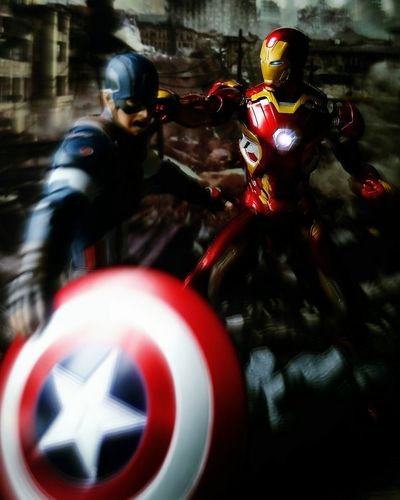 I just want to punch your perfect teeth. Heroes Tamashiinations Marvel Civil War Iron Man Captain America Sh Figuarts Toys Shf BANDAI Toy Photography Action Figures Super Heroes