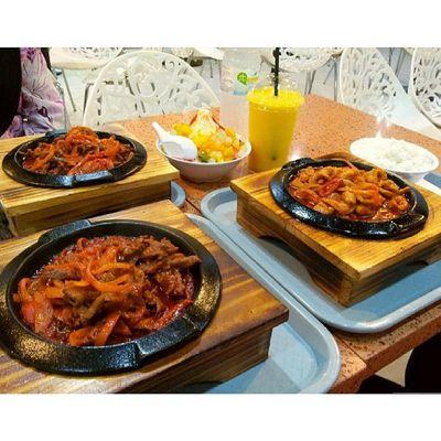Hot plate beef. Sedap sehingga menjilat jari :D Moran Korean Foodstamping Foodporn @sallyzakamat @xxnad23xx