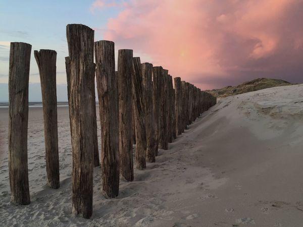 Belles couleurs du soir sur la plage Beach Beachphotography Plage Coucher De Soleil Sunset IPhoneography Sable Findejournee Berck Plage
