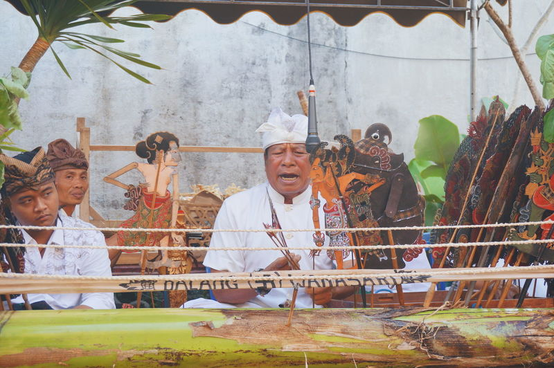 wayang lemah (balinese puppets) Face Of EyeEm Puppet Show Balinese Culture Balinese Balinese Life Bali Life Ceremony Balinese People Traditional Clothing Togetherness Men City Festival Traditional Festival Holi Traditional Culture A New Beginning EyeEmNewHere