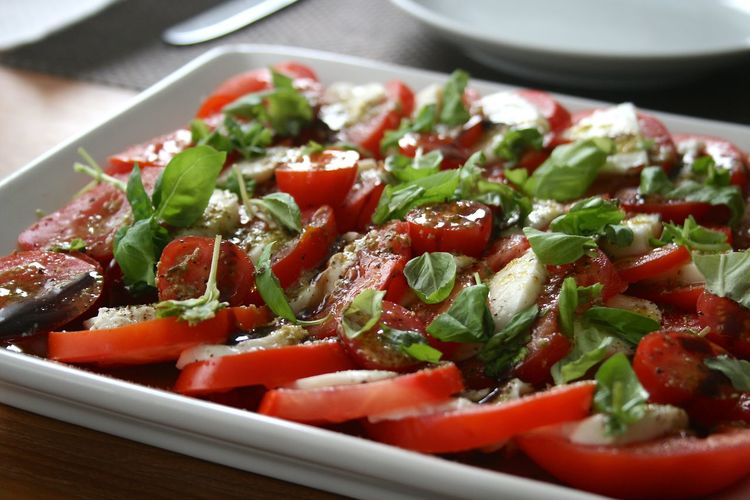 Caprese Salad With Pesto And Vinaigrette Dressing