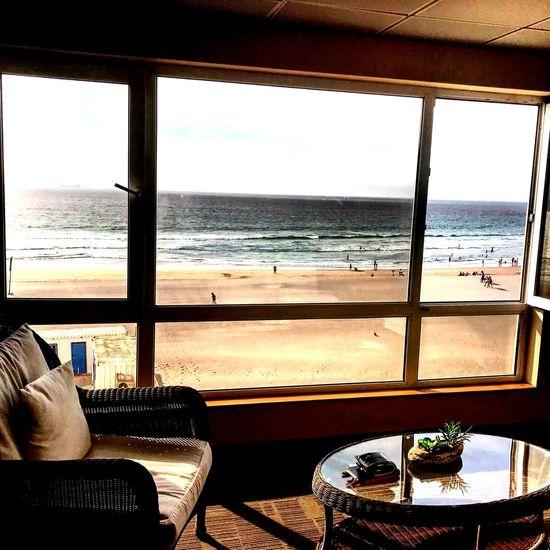 En la espera ... Sea Water Window Sky Indoors  Glass - Material Beach