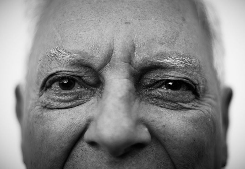 Real People Senior Adult One Person Human Face Wrinkled Portrait Senior Men Human Eye Human Body Part Close-up Looking At Camera One Senior Man Only Men One Man Only Eyebrow Indoors  Only Men Day Eyeball Adult Portrait Photography Portraits Face Portraiture Eyes Watching You Black And White Friday Inner Power This Is Aging