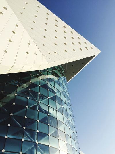 Minimalist Architecture Architecture Low Angle View Building Exterior Built Structure Clear Sky Modern Sky No People Outdoors Day City Office Block Dubai Glass Window The Architect - 2017 EyeEm Awards The Week On EyeEm