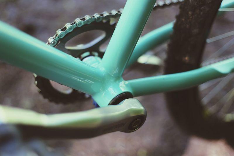 Blue Close-up Hand Built Steel Fosse Northamptonshire Daventry Bicycle United Kingdom Handmade Fosse Framesets Craftmanship Reynolds England 725 Fillet Braze