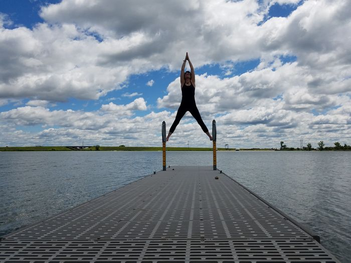 Cloud - Sky Sky Water Exercising Human Body Part Adult Relaxation Tranquility Peace Nameste 😊 Zen Healthy Lifestyle Impromptuphotoshoot Sister Stretch Outdoors