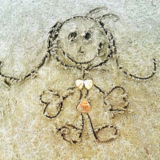 Childhood Brincando Drawing ✏ Inthebeach HoraDeBrincar Voltandoainfancia Sand Desenhando Boneca Fun