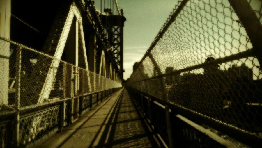 I Am Legend, Manhattan Bridge, Brooklyn Urban Exploring Manhattan Bridge From Brooklyn To Manhattan
