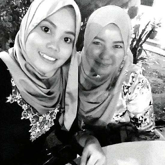 With my cousin, ? Cousin Wedding Party Sweet Faces Follow4follow Follow Me Like4like Garden Wedding Blackandwhite Ilovecoffee