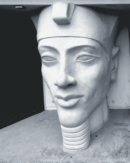 Akhenaton the beauty, the mystery! Pharahos Statue Pharaonic_antiques Egyptian-Faces Egyptian Statue Egyptphotography