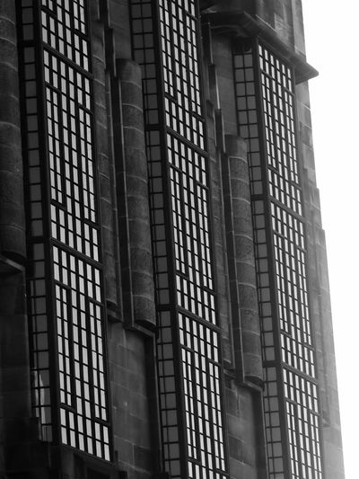 Glasgow School of Art Windows, before the fire Window Glasgow  Architecture Architectural Feature Scotland Charles Rennie Mackintosh Glasgow School Of Art Architecture Built Structure Low Angle View Building Building Exterior No People The Architect - 2018 EyeEm Awards Window Modern City Outdoors Glass - Material Pattern Architectural Feature Wall
