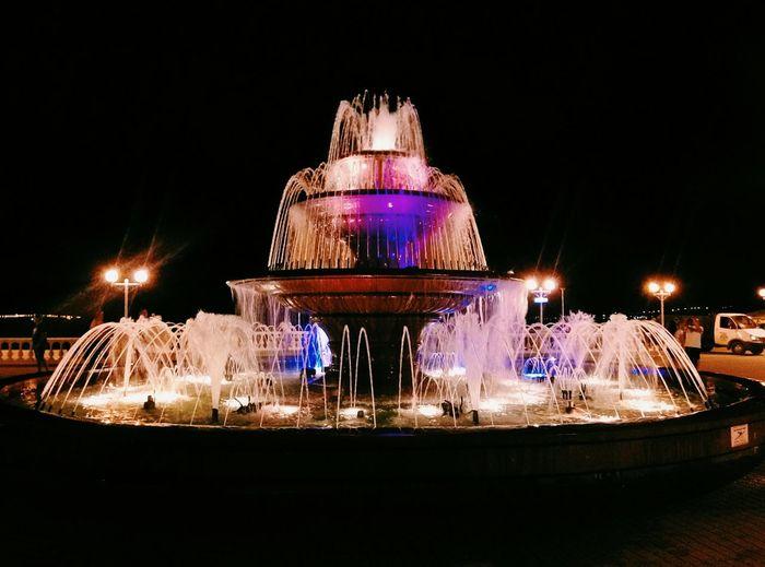 EyeEm Selects Night Illuminated Arts Culture And Entertainment Amusement Park No People Sky Outdoors Black Background атмосферно фонтан фото фотография фонтаны Геленджик Геленджик☔🌊 Fontain Fontaine
