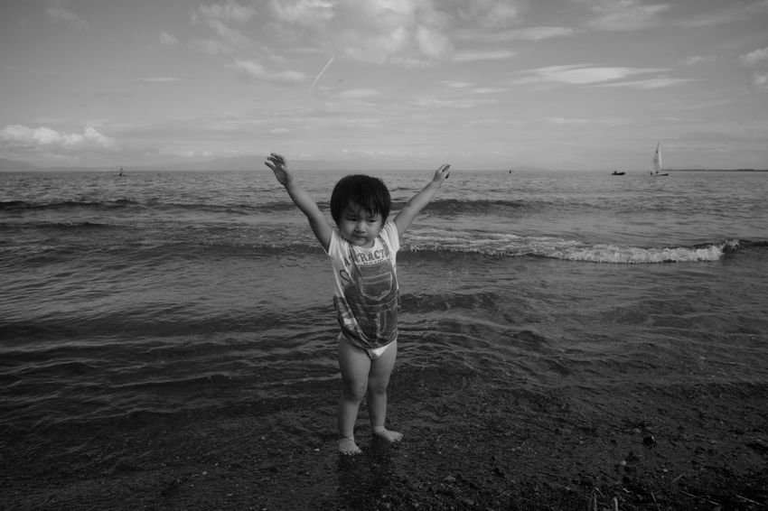 put your hands up Portrait Niece  Bw Blackandwhite Monochrome Leica M9-p Voigtlander Lens Color-skopar 21mm F4 Japan Lakeside Lake Lake View Sea Childhood Human Hand Motion Shore Horizon Over Water Wet Hair Wave Sandy Beach
