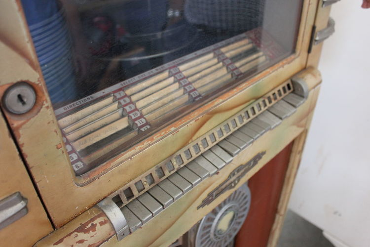 Antique Antiques Antique Juke Box Jukebox Antique Store Old Things Beauty In Age Another Time Old School Visual Creativity