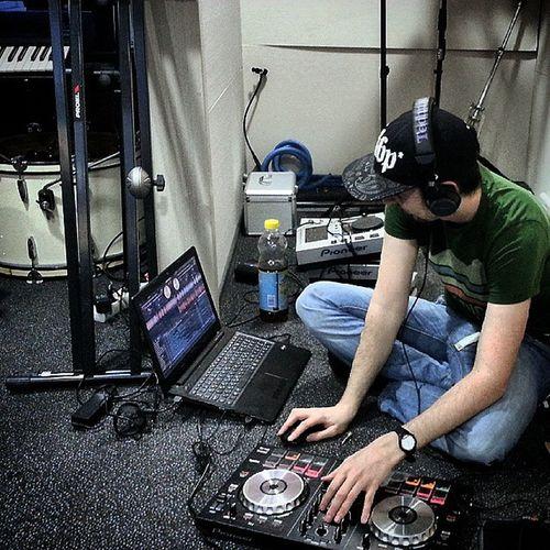 Preparing something new in the studio for you ;) Manieck Studio Edm Edmlife Pioneer