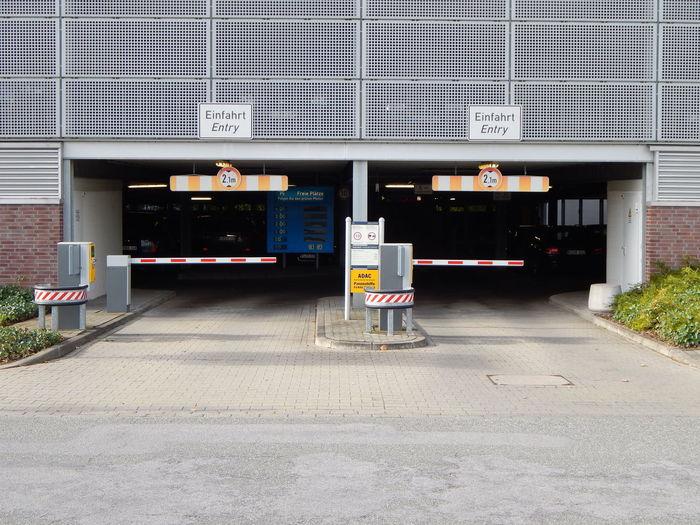 Architecture Barrier Built Structure Carpark City Day Einfahrt Entryway Garage Gate No People Outdoors Parkaus Schranke
