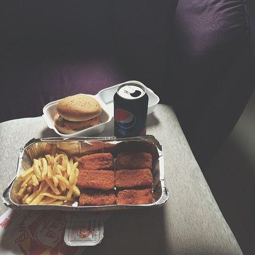 Al -Baik Nuggets Burger Pespsi ??