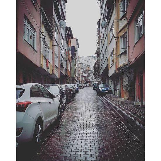Ne güzel bir sabah... Nowplaying Durma Yağmur Durma - Gripin Bohemian Melancholy Rain ♫