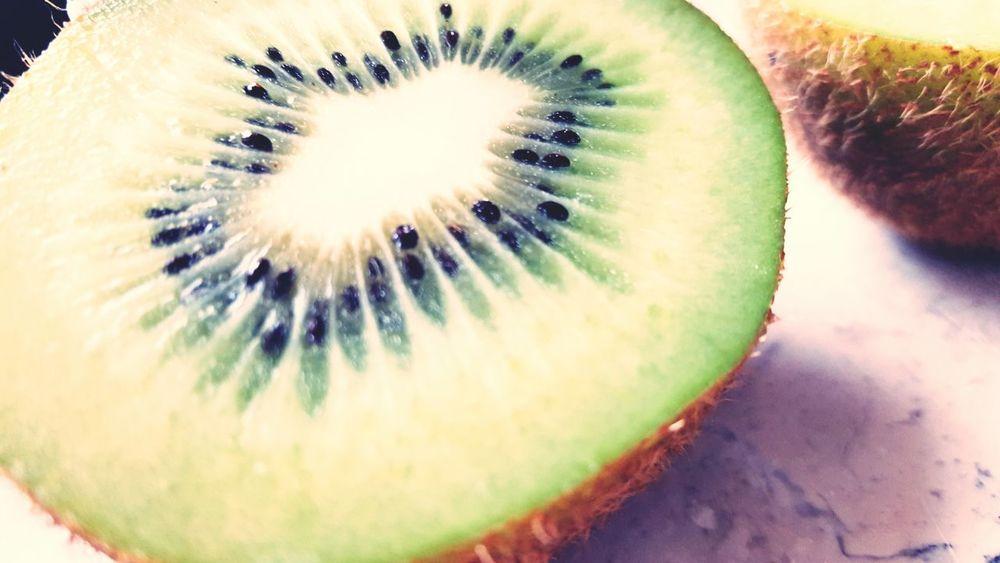 Kiwifruit .