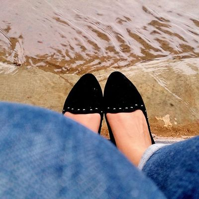 """kita adalah sepasang sepatu, selalu bersama tak bisa bersatu"" 😏😮😔 Perfectlyclear Jj  Imajee Shoes mine mataponsel kamerahpgw all_shots mobile_photography mobile_perfection taken by xperiaz xperiaid sonydetails bestofsony instagram"