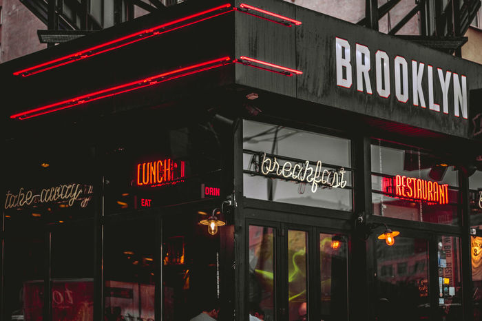 Classic american bar in the middle of europe. American American Style Brooklyn City Lighjt Corners Neons New York Vibes Restaurant Streetphotography Windows