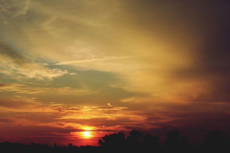 Sunset Clouds And Sky Elbe Horizon