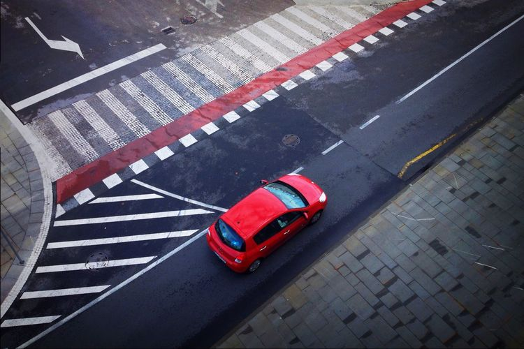 IPhoneography Streetphotography City Geometry red car