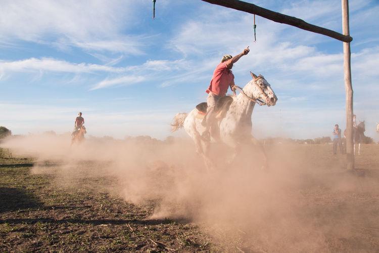 People in horse race