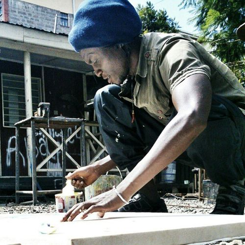 Sidney, a visual artist at Kuona Trust. Mixing photography and painting. KuonaTrust Portrait Xperiap