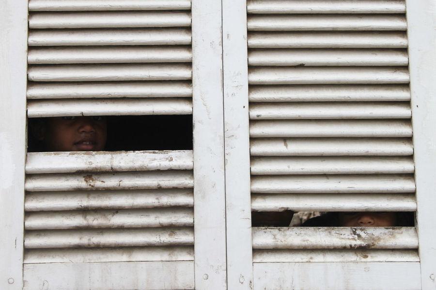 Capo Verde Childhood Children Only Day Espargos Full Frame Human Body Part Looking Through Window Sal Island Shutters Summer 2017 The Street Photographer - 2017 EyeEm Awards Two People Window